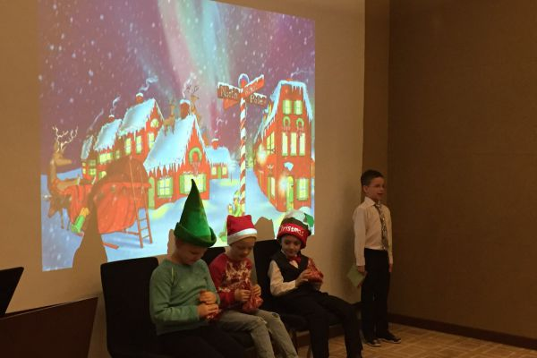 Christmas Show in Polyglot!